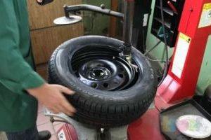 балансировка колес автомобиля, фото