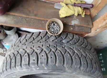 Как удалить шипы из зимних шин, фото