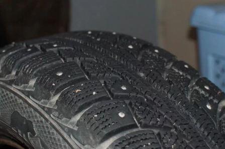 Как определить износ зимних шипованных шин