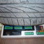 Сколько весит автомобильная шина, от чего зависит ее масса