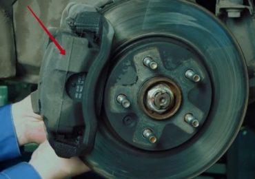 Шаг 2 – съём тормозного цилиндра